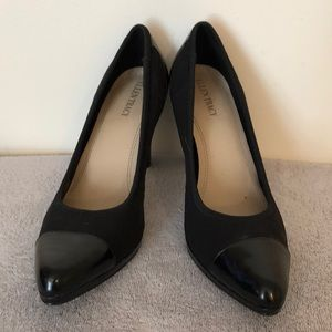 Ellen Tracy sz 10  two-tone / texture black heels